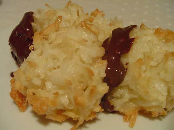 macaroons by Elly Says Opa, via Flickr
