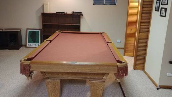 8' Brunswick Billiards Pool Table Nice!