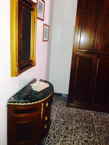 House Cornelia Roma Set 2.5 km from St. Peter's Basilica and 2.5 km from Vatican Museums, House Cornelia offers accommodation in Rome. Offering private parking, the apartment is 2.6 km from The Vatican. Free WiFi is available .