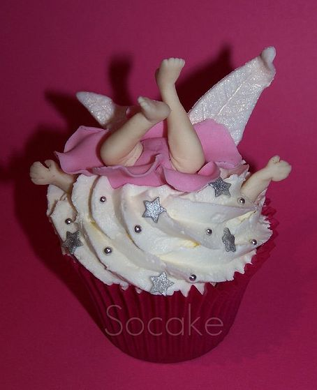 Woops! Funny fairy cupcake :D