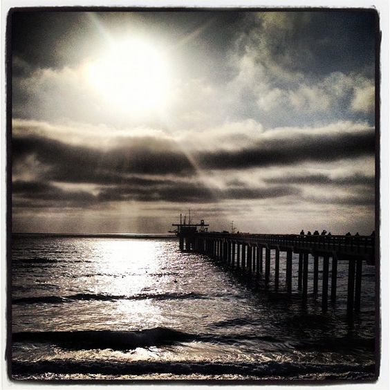 A lovely night for a pier walk. E.W. Scripps Associates are enjoying a behind-the-scenes tour tonight. by Scripps_Oceanography, via Flickr