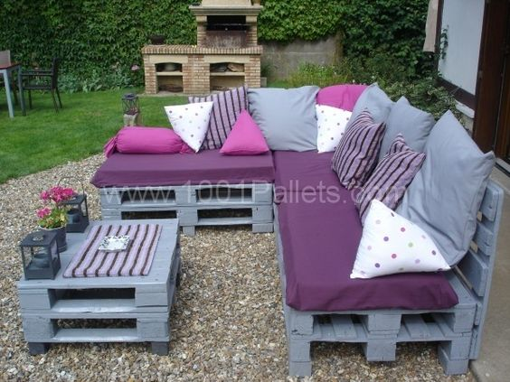 pallets garden lounge salon de jardin en palettes europe pallet ideas jardins matelas et. Black Bedroom Furniture Sets. Home Design Ideas