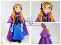 Anna from Frozen in gumpaste/pasta de goma Classes available in person or virtual Clases disponibles en persona o virtual
