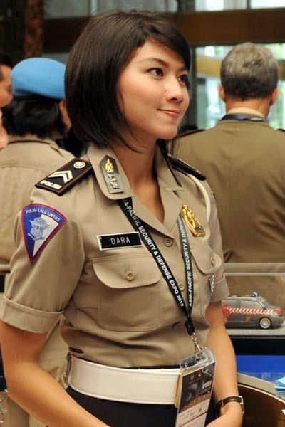 ジャカルタの警察官