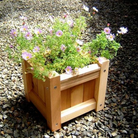 Flowerpot wood wooden box flower gravel build your own creative idea