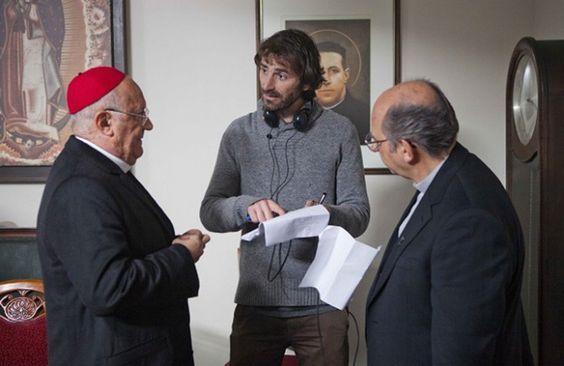 Actor argentino Osvaldo Santoro, director Matías Lira y Luis Gnecco en rodaje El Bosque de Karadima.