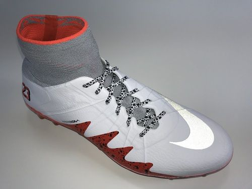 SR4U White Premium Soccer Laces on Nike Hypervenom Phantom 2 NJR