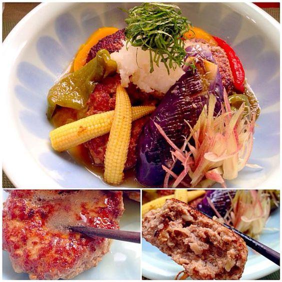前回さっぱり美味しかったので久々作ったら、ちょいと出汁薄かったかな さっぱり食べられました チビ〜ズ、おろしで食べられるようになって万歳ヽ(´∀`)ノ - 87件のもぐもぐ - Japanese style hamburg w/Deep-fried Summer vegetable和風おろしハンバーグ 夏野菜の揚げ浸し添え by honeybunnyb