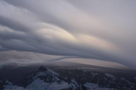 Spectacular undulatus clouds over Mt. Triglav, Slovenia on April 7 | Severe Weather Europe