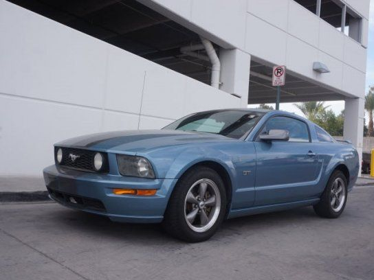 Coupe 2005 Ford Mustang Gt Deluxe With 2 Door In Tucson Az 85710 2005 Ford Mustang Mustang Gt Ford Mustang Gt