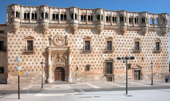 la-ciudad-de-guadalajara palacio de los duques del infantado españa
