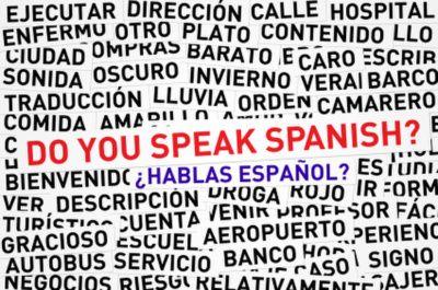 Excelente traductor de inglés a español y español a inglés con tres traducciones simultáneas.