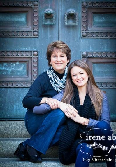 Another good mother/daughter pose