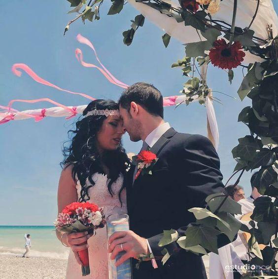 Elena, una de nuestras novias, celebró su boda en la playa de Almenara (Castellón)