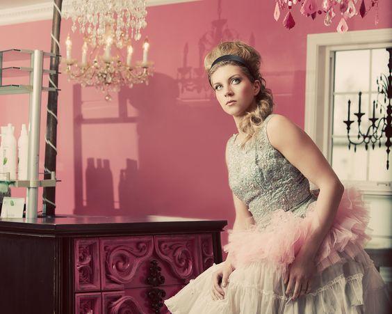 Beehive Beauty Shop, Pouffy Hair, Retro, Pink, Salon