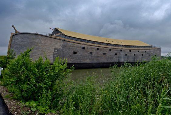 Das Schiff soll der Arche Noah möglichst ähnlich sein. Jetzt ist es für die...