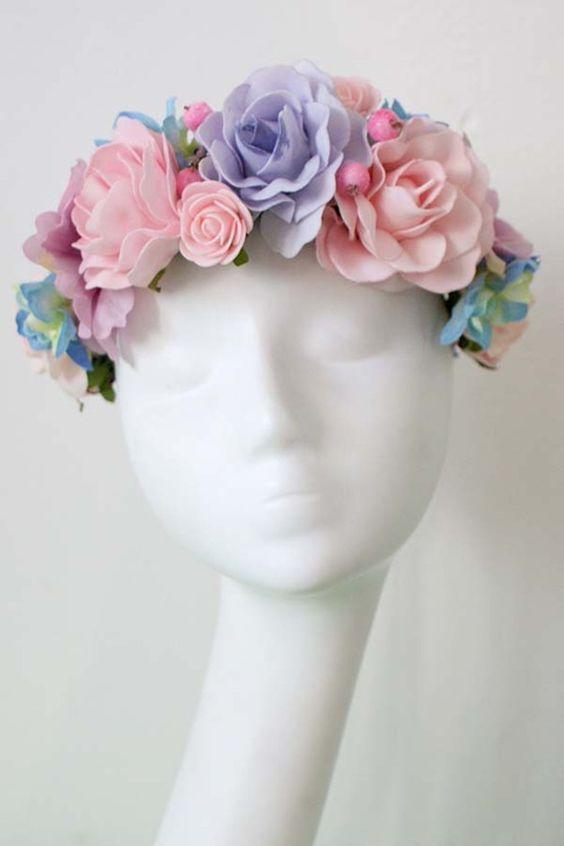 Flores para el pelo - Corona de flores - hecho a mano por LolaWhite en DaWanda