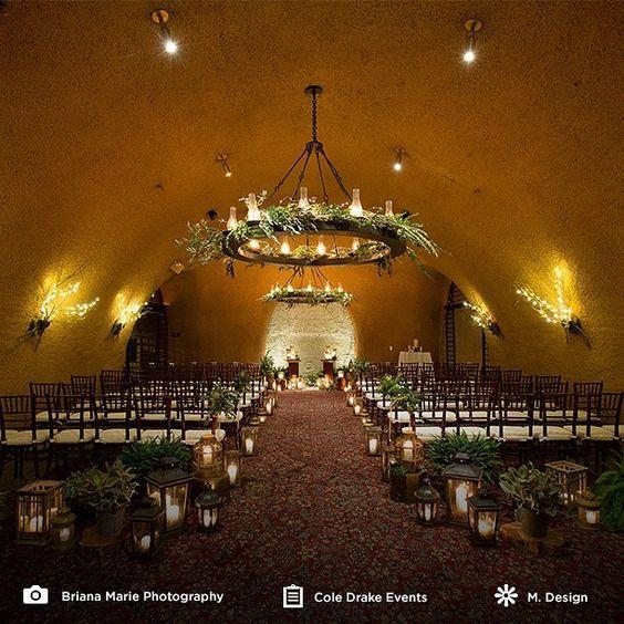 Indoors ceremony setting Photo @briana_marie