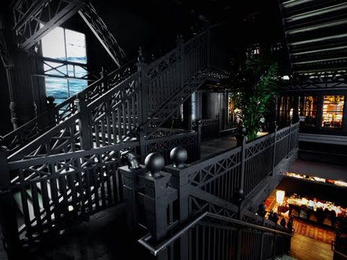 Black hole the cave like hollister store in soho cindy for Furniture stores in soho new york city