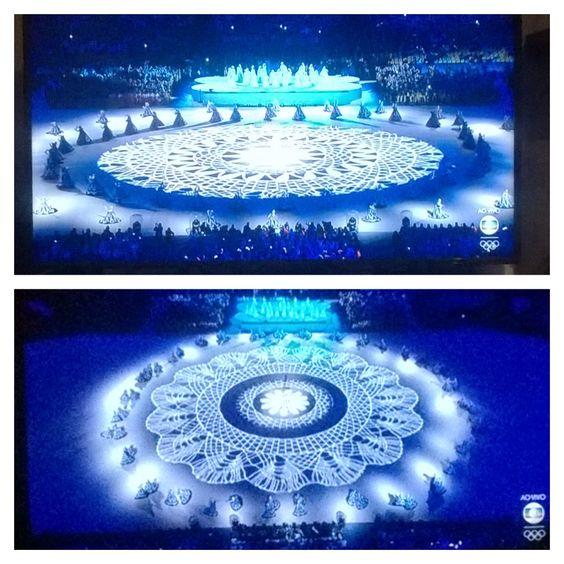 As Ganhadeiras de Itapuã dançando e cantando formando essa linda Mandala Jogos Olímpicos Rio2016