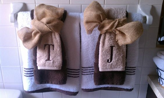 Burlap bows on towels!