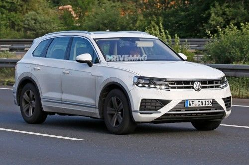 2018 Vw Touareg Sheds Most Camouflage Goes Almost Unnoticed Volkswagentouareg Car Volkswagen Toyota Cars Volkswagen