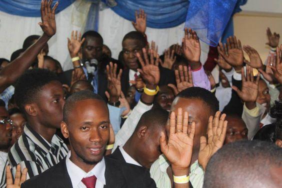 Plus de 100 jeunes haitiens prêtent serment au candidat à la présidence Jean-Henry Céant