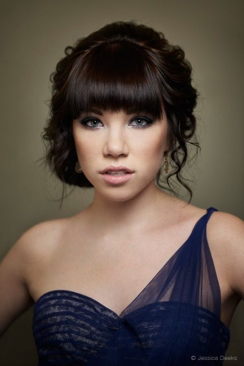 Carly Rae Jepseno ~~~ this would be a pretty look for Jr/Sr/ the makeup and hair I love! :)