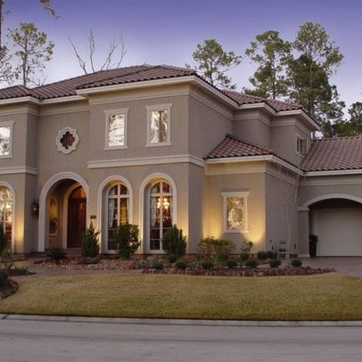 Classic 2 tone beauty beige stucco note same color on for Stucco garage