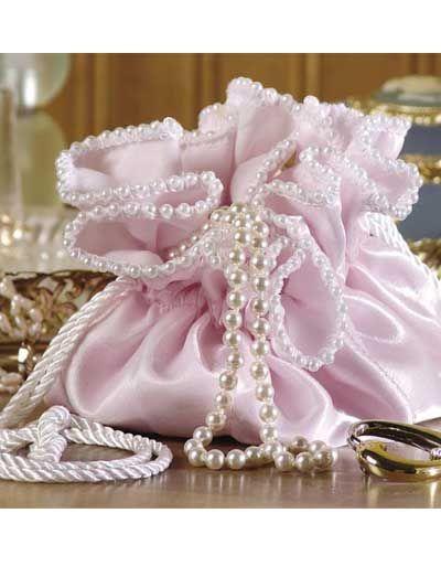 Jewelry bag holder pattern... SO cute!