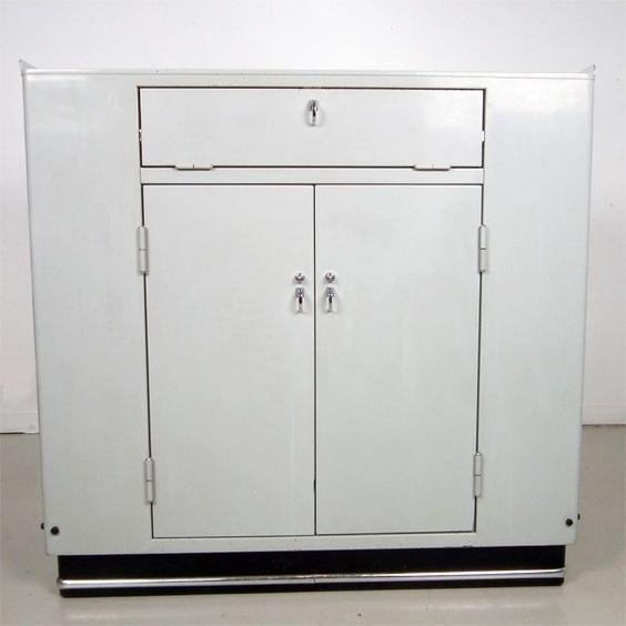 Located using retrostart.com > Doctors Cabinet by Unknown Designer for Baisch