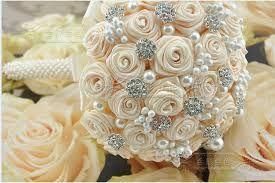 Resultado de imagen para flores de fieltro para bodas