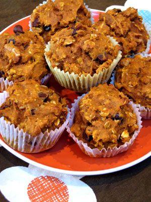 Autumn muffins - oatmeal, dark chocolate chips, pumpkin.