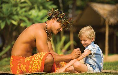 Paradise Cove Luau -  Arts & Crafts Hawaiiaanse tattoo