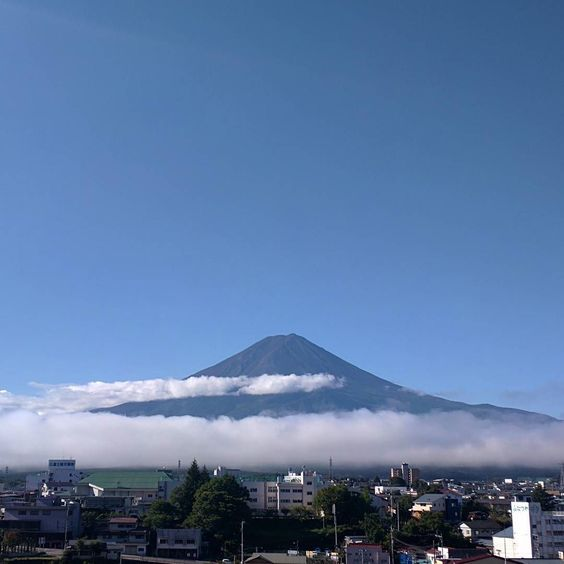 And so it appears #mountfuji #finallygoodweather