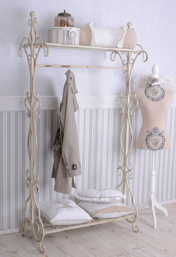 nostalgie garderobe shabby chic garderobenst nder weiss. Black Bedroom Furniture Sets. Home Design Ideas