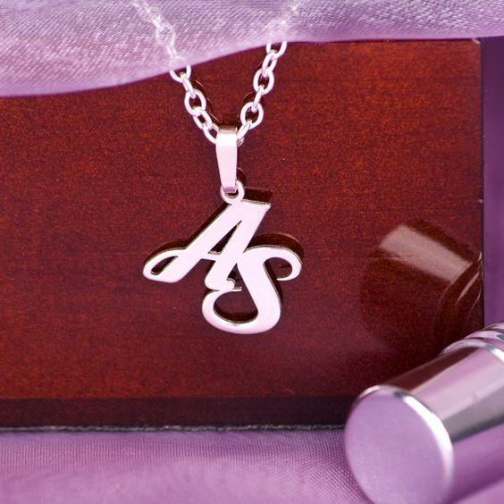 hochkarätige Kette in 925 Sterling-Silber mit Ihren Initialen bestückt