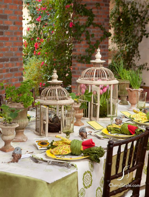 Set the table on spring for Outdoor brunch decorating ideas