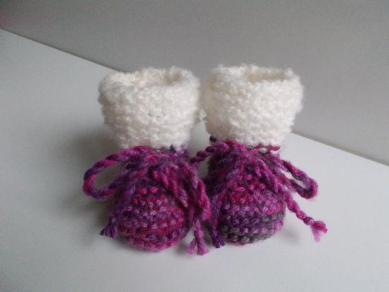 chaussons bébé en laine multicolore à rebord laine bouclette blanche : Mode Bébé par bebelaine