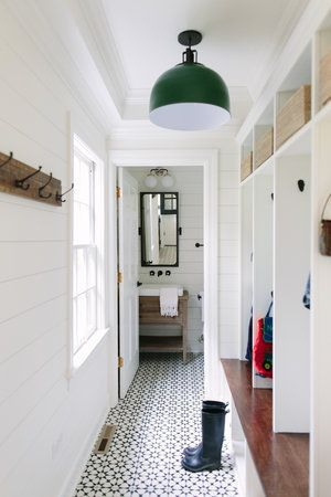 Mudroom Powder Tile Modern Farmhouse Mudroom Patterned Tile Flooring With Built In Cubbies Farmhouse Mudroom Mudroom Decor Farm House Living Room