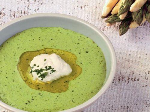 Feine Spargelcremesuppe mit Schafsfrischkäse #Rezepte #Spargel #Asparagus