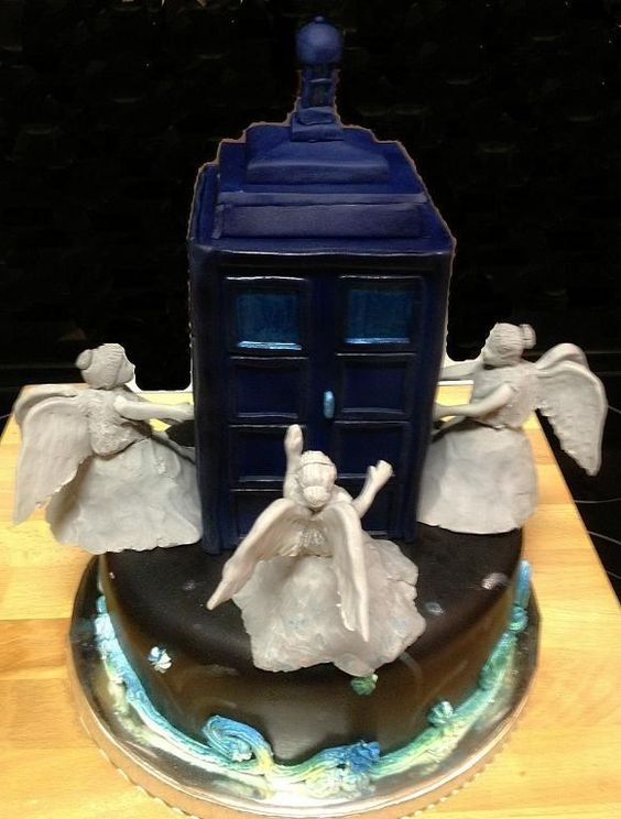 My Doctor Who cake with the weeping angels!