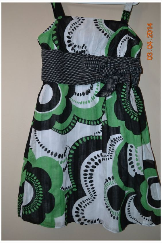 Pretty dress by IZ, girls size 8