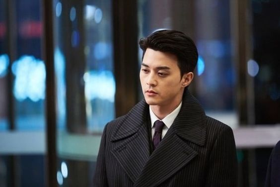 "Kim Ji Hoon Plays A Brooding Villain In Teasers For Upcoming Drama ""Babel"""