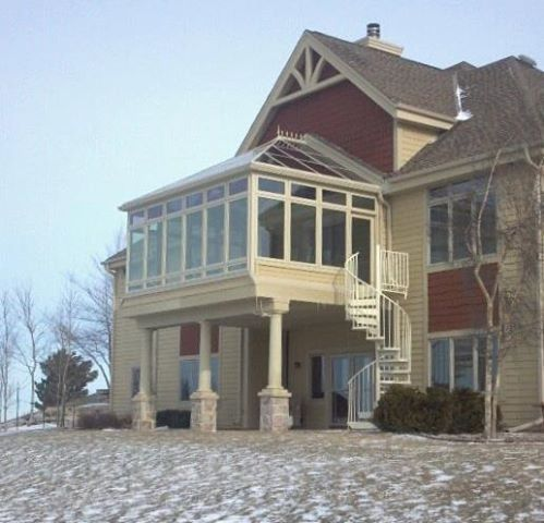 Sunrooms second story and second story addition on pinterest for Second floor sunroom