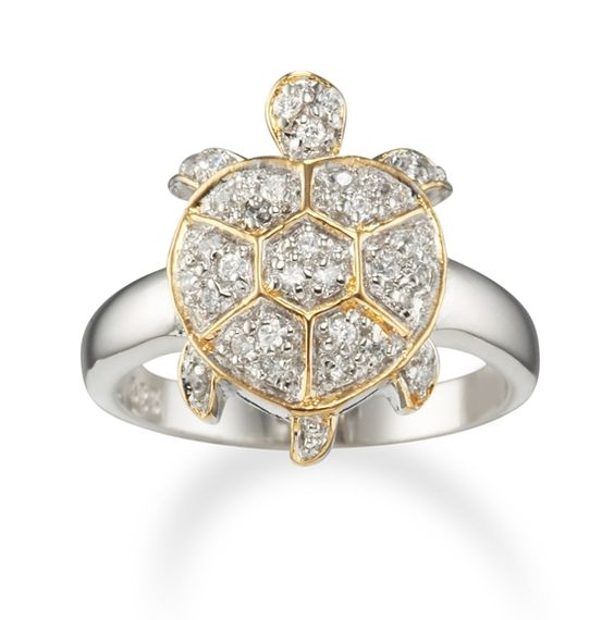 Gorgeous ring! And it matches our gold pins<3