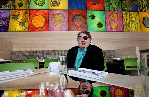Dale Chihuly (b.1941), American Glass Sculptor and Entrepreneur