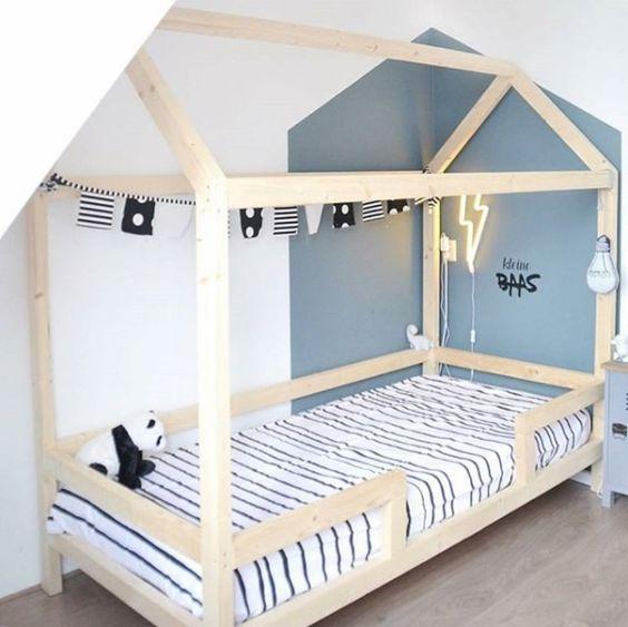 Verwonderlijk DIY: Zelf een houten bedhuisje / speelhuisje maken - Mamaliefde.nl UU-16