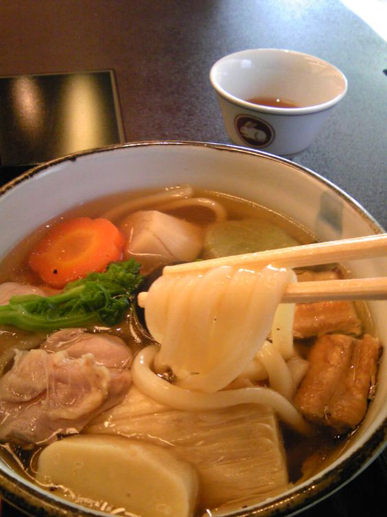 Kayaku Udon noodles with several kinds of toppings 美々卯の「かやくうどん」