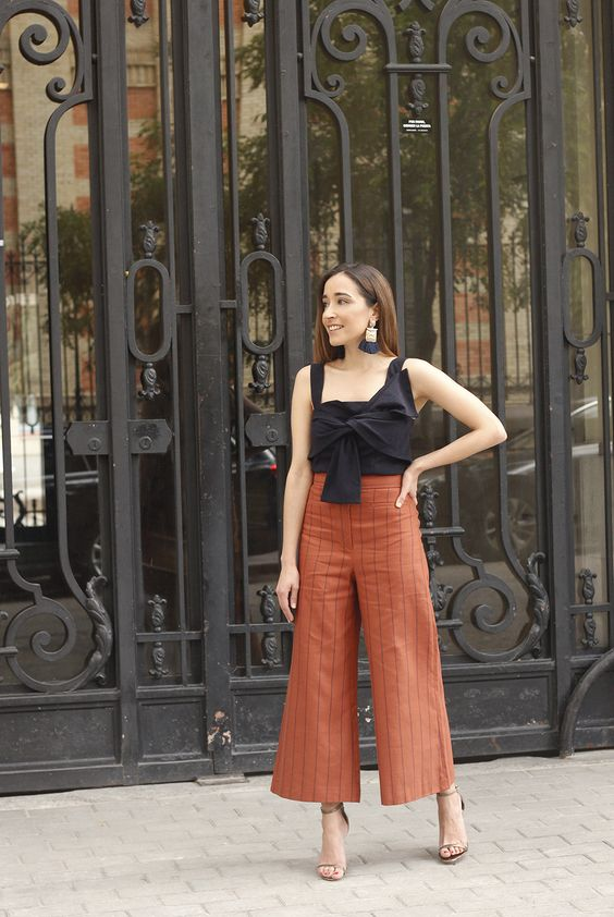 Linen striped pants blue top uterqüe summer street style outfit 2018/19